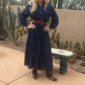 Dresses & Skirts - Vintage denim dress